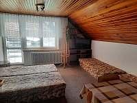 Čtařlůžkový pokoj s balkonem