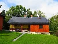 Chalupa - pohled ze zahrady - k pronájmu Ondřejovice