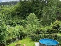 Bazén v letním období - apartmán ubytování Horní Lipová