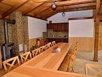 Vnitřní posezení s kuchiňkou a wc - Dolní Morava