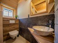 Koupelna 2 - umyvadlo a WC - Kouty nad Desnou