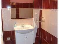 Apartmán U Náměstí v Jeseníku - koupelna - k pronajmutí