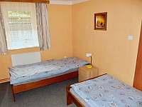 spodní 2-lůžkový pokoj