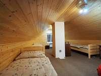 Pokoj v podkroví - pronájem chaty Kunčice pod Kralickým Sněžníkem