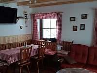 Jídelní kout - chata k pronajmutí Šléglov