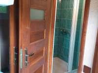 sprchový kout - chatky ubytování Bušín