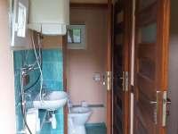 WC s koupelnou - chatky k pronajmutí Bušín