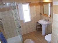 koupelna s wc - chalupa k pronájmu Rejvíz