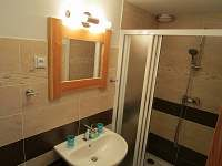 Nově zrekonstruovaná koupelna - chata k pronajmutí Rapotín