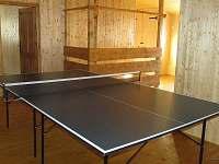 Ping pong v patře