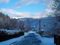 pohled z údolí směr hřeben