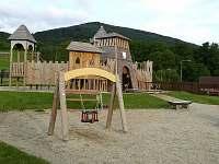 dětské hřiště v loučné nad Desnou 10.min od chalupy pěšky