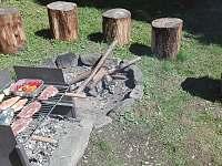 Chalupa Baletka - ohniště a gril