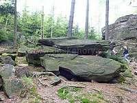 Skalní útvar Bradlo 3 km od objektu - Rohle část Nedvězí