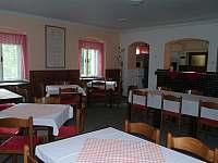 jídelna - chata k pronájmu Zlatý Potok