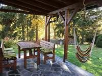 Terasa s posezením, podzim