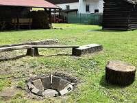Ohniště na zahradě - chalupa ubytování Vrbno pod Pradědem - Mnichov