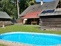 Prostorná a upravená zahrada s bazénem - pronájem chalupy Vrbno pod Pradědem - Mnichov