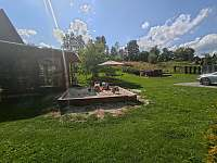 Velké dětské pískoviště vedle zimní zahrady - Bělá pod Pradědem