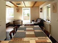 obývací pokoj - chalupa k pronájmu Vysoká