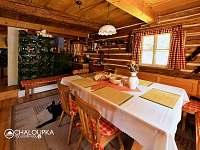 Kuchyń a jídelna - chalupa k pronájmu Malá Morávka