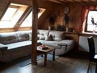 Obývací pokoj. - chata k pronajmutí Štědrákova Lhota