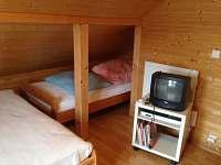 větší ložnice v podkroví - pro 5 osob