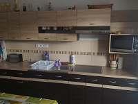 spol. kuchyň