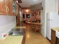 pohled s kuchyně do obývacího pokoje MODUS 1  (3+1)