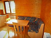 stůl,lavice - apartmán k pronajmutí Dolní Moravice