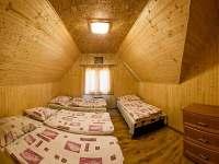 3. ložnice v patře - 4 lůžka - chata k pronájmu Zlaté Hory