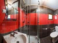 koupelna s WC - chata k pronájmu Zlaté Hory