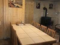 společenská místnost - chata k pronajmutí Zlaté Hory