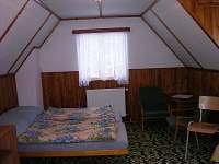 rekreační domek - podkrovní ložnice pro 4 osoby
