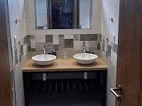 Koupelna - chalupa k pronájmu Nová Rudná
