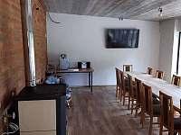 Společenská místnost - chalupa ubytování Nová Rudná