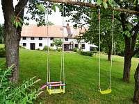 Houpačky na zahradě - apartmán ubytování Králíky - Horní Lipka