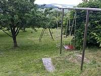 Zahrada chalupy - k pronájmu Krnov