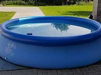sezonní bazének