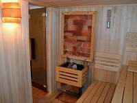 Finská sauna se solnými kameny