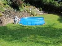 Bazén na pozemku - chata ubytování Dolní Bušínov