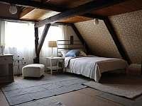 Ložnice v horním patře - pronájem chalupy Vrbno pod Pradědem - Železná