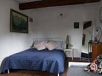 Ložnice v přízemí - chalupa k pronájmu Vrbno pod Pradědem - Železná