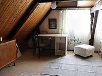 Pracovní stůl v horním patře - Vrbno pod Pradědem - Železná
