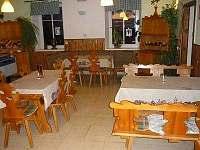 Restaurace ke společnému posezení - chata k pronájmu Hraběšice