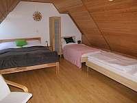 apartmán číslo 3 ložnice - manželská postel, dvě jednolůžka - Dolní Moravice