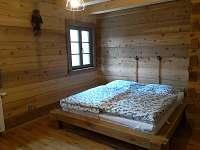 1.ložnice v přízemí