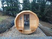 venkovní sudová sauna