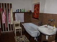Koupelna - chalupa k pronájmu Janov