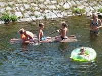 koupání u splavu -100m - chalupa k pronájmu Vrbno pod Pradědem - Mnichov